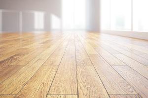Foto van een vloer met vloerisolatie.